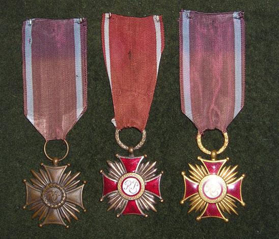 Krzyz-Zasługi.jpg