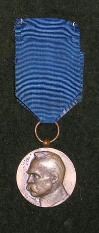 Medal-Dziesieciolecia-Odzyskanej-Niepodleglosci.jpg